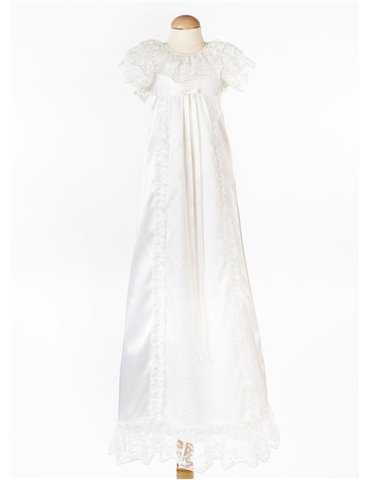 Dåpskjole med håndsydd blonder
