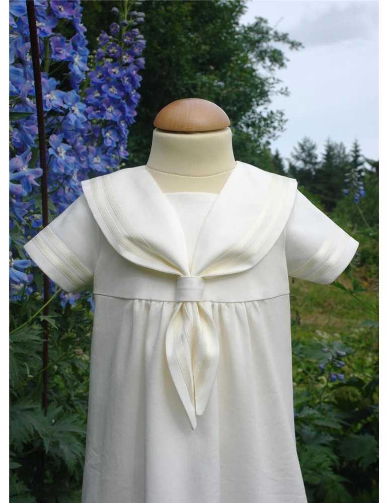 Vacker Dopklänning  i off white spets