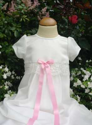 Christening gown Grace-Sessan in tulle lace and satin skirt in white
