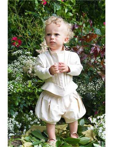 Dåpskjole med vakkert langt skjole