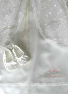 Christening robe Grace-over dress in lace