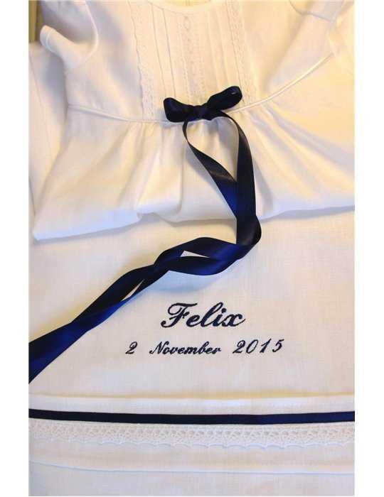 pojke i lyxig Prinskostym