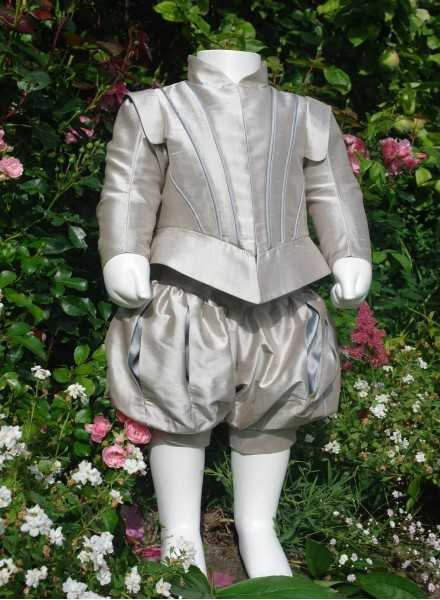 Prince suite in silk for formal occasions for boys