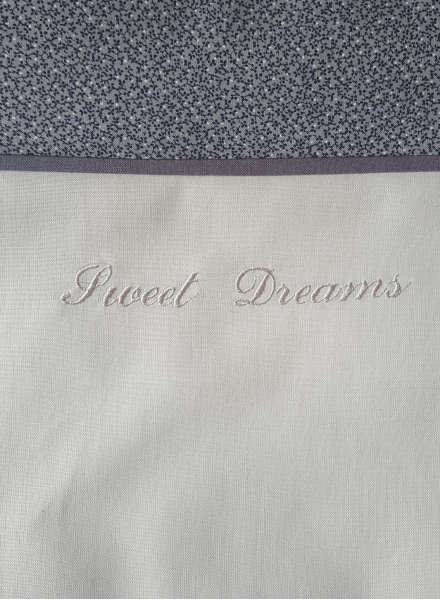 Embroidered baby bed linen for baby