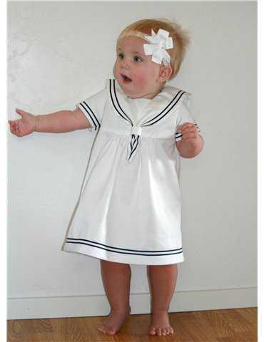 baby tripletter i dåpskjole