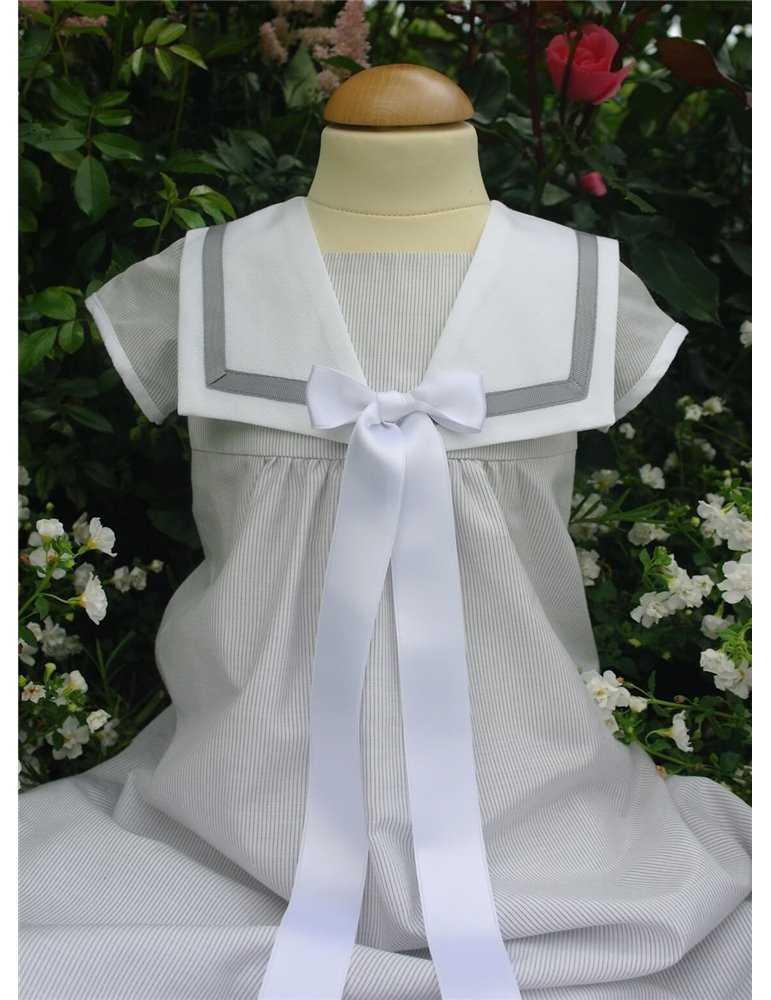 spetsdopklänning vinröd rosett