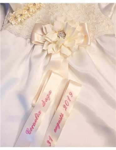 romantisk dåpskjole i antikk hvit