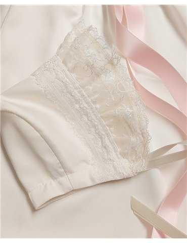 Dopklänning till docksöt flicka