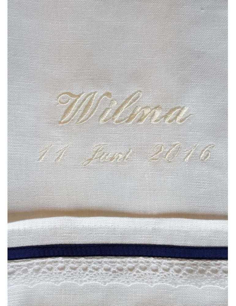 Dopklänning med romantisk look för flickor