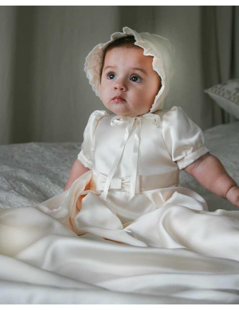 Dopklänning i naturfärg för flickor