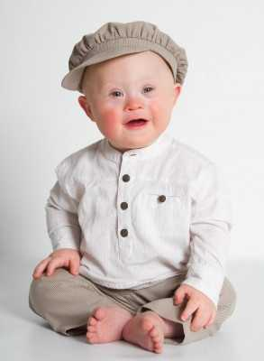 Chgristening outfit i linen for boys with cap Grace-Emil