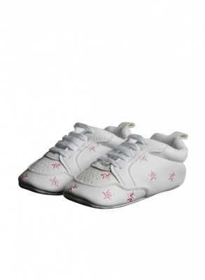 Baby shoes with pink stars