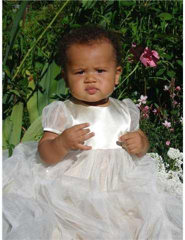 vacker Dopklänning i siden organza