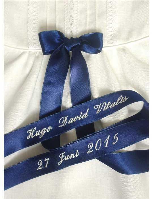 dopklädsel med vit hätta